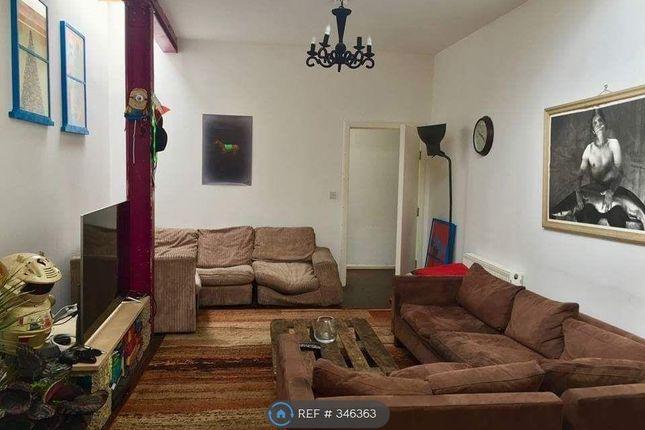 Thumbnail Flat to rent in Vale Rd Unit De, London