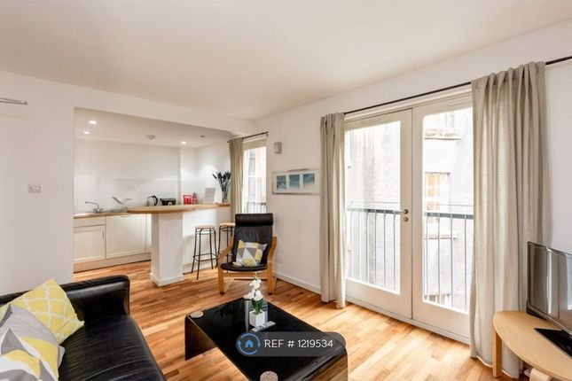 2 bed flat to rent in Cowgatehead, Edinburgh EH1