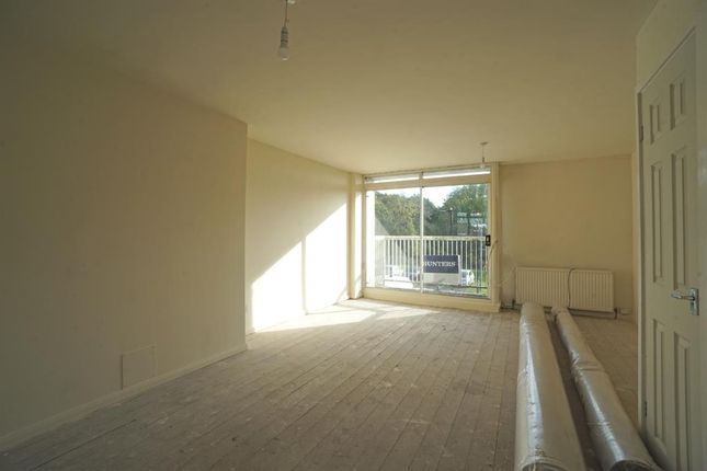 Living Room of Gleadless Road, Newfield Green, Sheffield S2