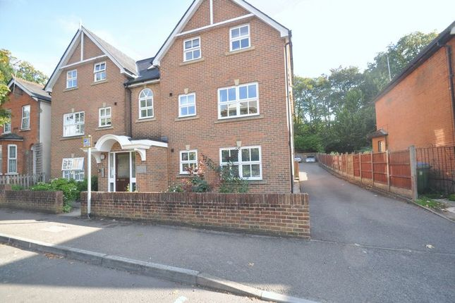 Thumbnail Flat for sale in Union Street, Farnborough