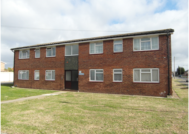 Thumbnail Flat to rent in Link Road, Canvey Island