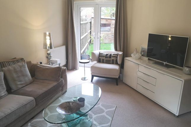 Living Room. of Holymead, Calcot RG31