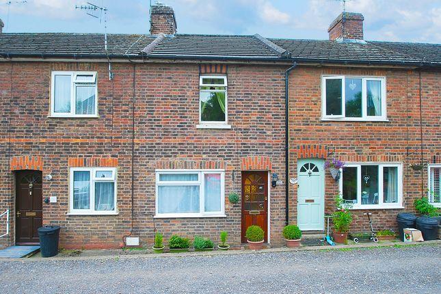 Thumbnail Terraced house for sale in Sunnyside, Edenbridge