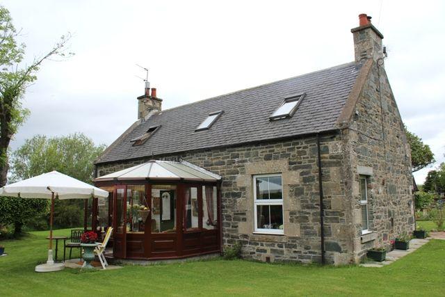 Thumbnail Farmhouse for sale in Hillpark, Clochan