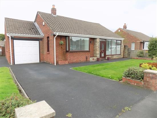 Thumbnail Bungalow to rent in Glamis Road, Leyland