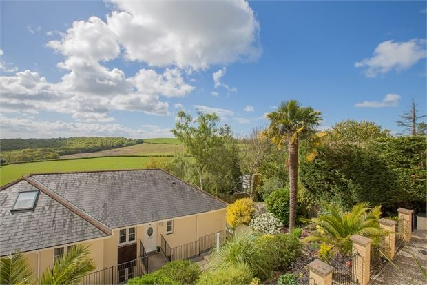 Thumbnail Flat for sale in South Road, Wolborough Hill, Newton Abbot, Devon.