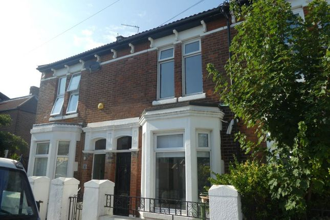 Thumbnail Room to rent in Inglis Road, Southsea