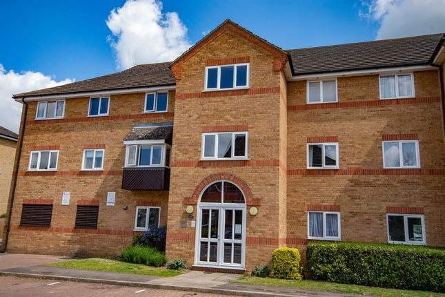 Thumbnail Flat to rent in Braziers Quay, Bishops Stortford, Herts
