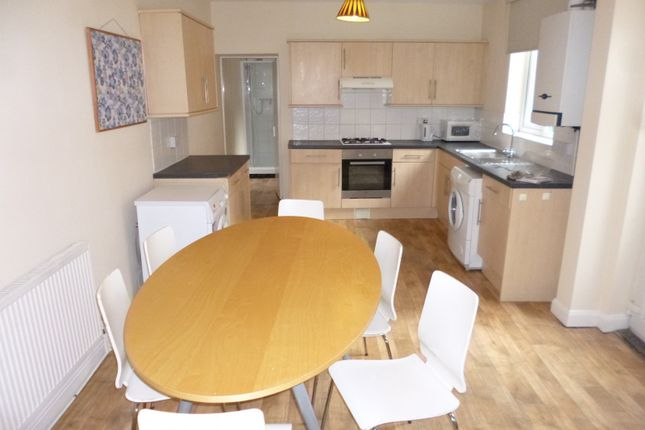 Semi-detached house to rent in Broadgate, Beeston