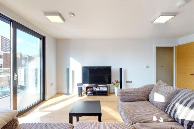 Thumbnail Flat for sale in Argo House, London