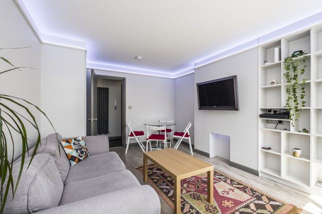Thumbnail Flat to rent in Alwyne Square, London