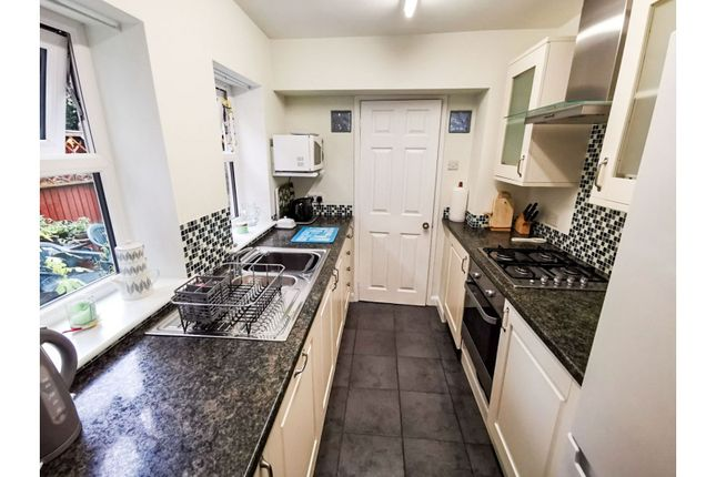 Kitchen of Henry Road, Southampton SO15