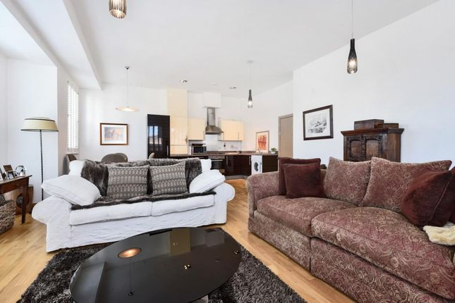 Thumbnail Flat for sale in St. Georges Court, Camberley