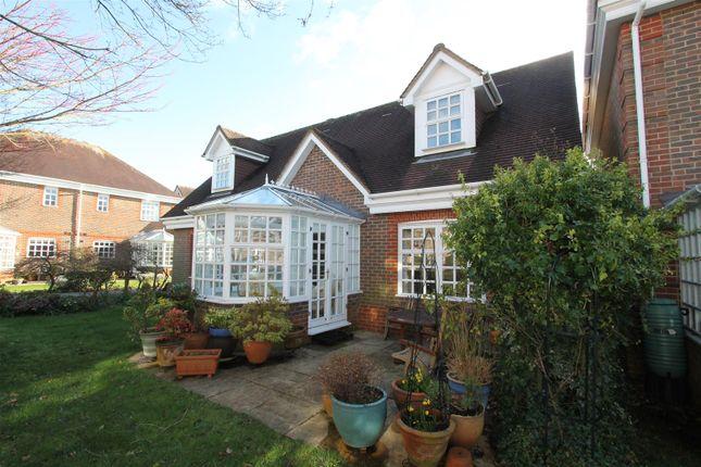 Thumbnail Flat for sale in Priestland Gardens, Berkhamsted