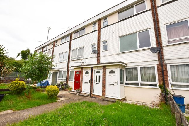 Thumbnail Maisonette for sale in Robinia Close, Ilford