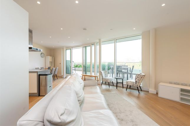 Thumbnail Flat for sale in Altissima Building, Vista Chelsea Bridge, London