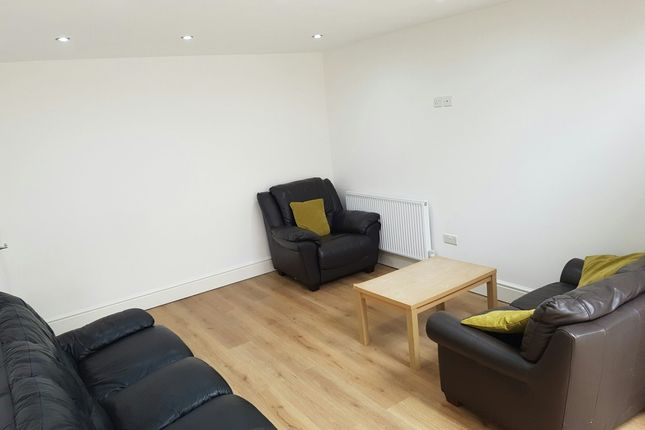Thumbnail Flat to rent in St. Pauls Square, Preston, Lancashire