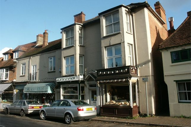 Thumbnail Flat to rent in High Street, Chalfont St Giles, Buckinghamshire
