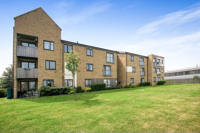 Thumbnail Flat to rent in Salisbury Road, Dartford