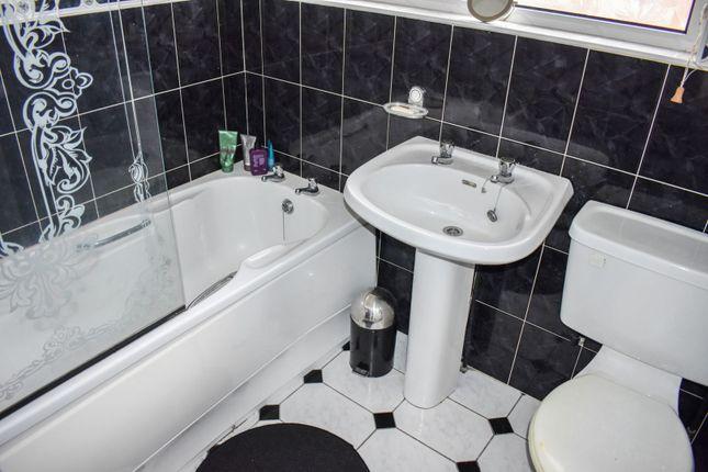 Bathroom of Tedburn Park, Belfast BT14