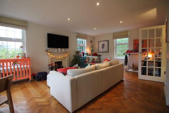 Living Room 5 of Hop Gardens, Henley-On-Thames RG9