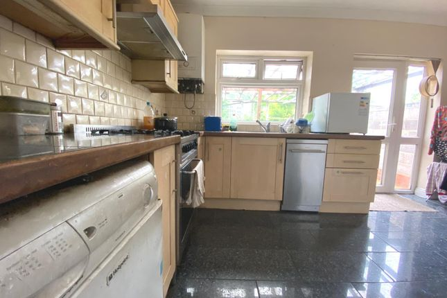 Thumbnail Room to rent in Dorothy Avenue, Wembley, Middlesex