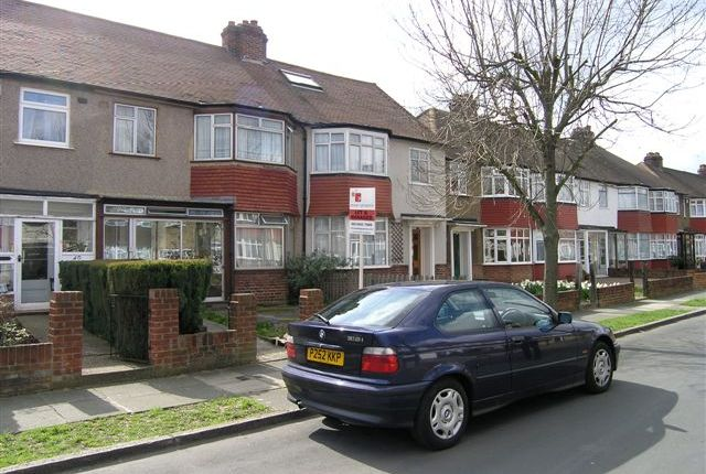 Thumbnail Terraced house to rent in Leamington Avenue, Morden, Surrey