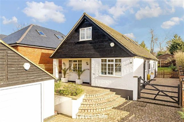 Thumbnail Detached house for sale in Mount Drive, St Albans, Hertfordshire