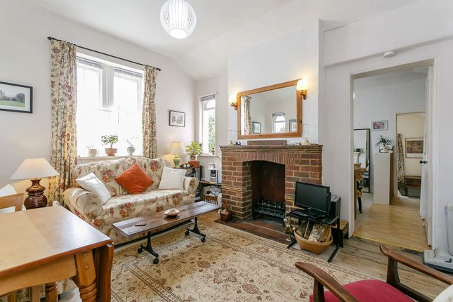 Thumbnail Cottage for sale in The Gatehouse, The Grove, Rye