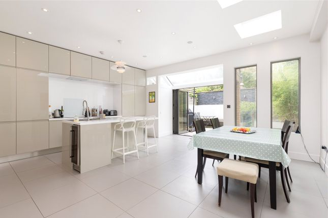 Thumbnail Terraced house for sale in Oxberry Avenue, Fulham, London