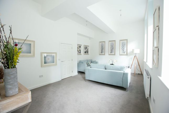 Thumbnail Flat for sale in Charlestown Road, Glossop