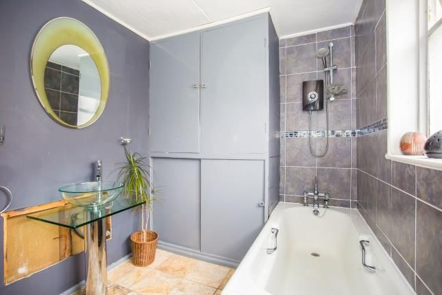 Family Bathroom of East Looe, Cornwall PL13