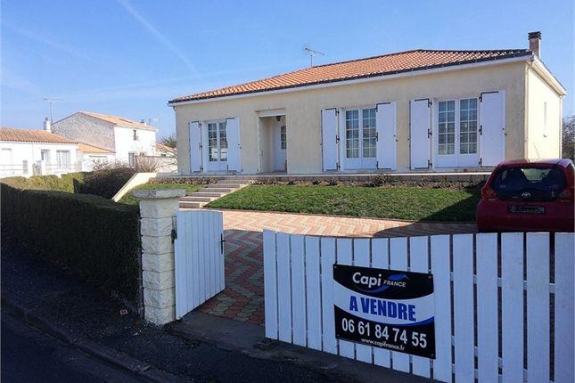 4 bed property for sale in Pays De La Loire, Vendée, Saint Michel En L'herm