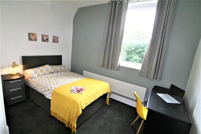 Thumbnail Flat to rent in Newsham Drive, Liverpool