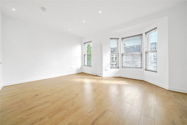 Thumbnail Flat to rent in Holmewood Road, Brixton, London