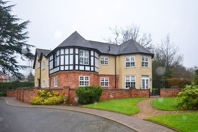 Thumbnail Flat for sale in Linthurst Road, Blackwell, Bromsgrove
