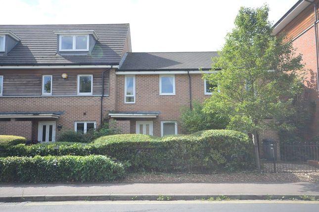Thumbnail Terraced house to rent in Amersham Road, Caversham, Reading