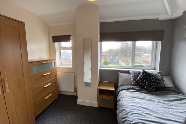 Room to rent in Burlington Avenue, Langwith Junction, Mansfield NG20