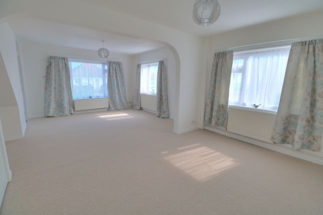 Living Area of Deborah Terrace, Central Avenue, Telscombe Cliffs, Peacehaven BN10