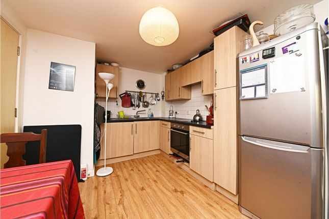 Kitchen of Murray Grove, Islington N1