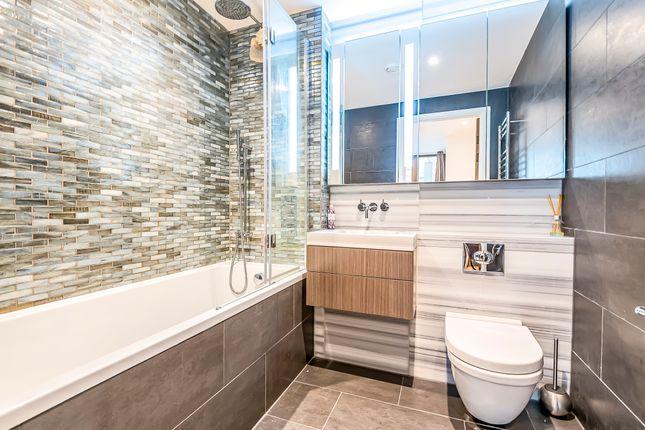 Bathroom of The Fulmar, 21 Reminder Lane, Lower Riverside, Greenwich Peninsula SE10