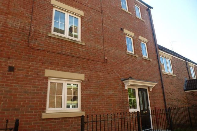 Thumbnail Property to rent in Delft Crescent, Swindon