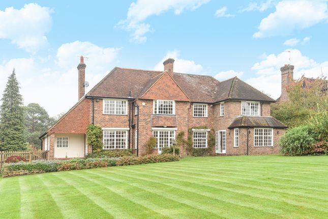 Thumbnail Detached house to rent in Quarry Road, Oxted