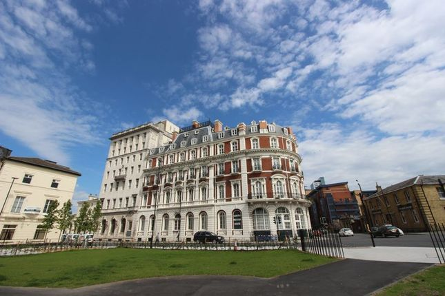 2 bed flat for sale in South Western House, Southampton