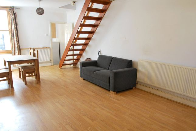 Thumbnail Cottage to rent in Ringslade Road, London