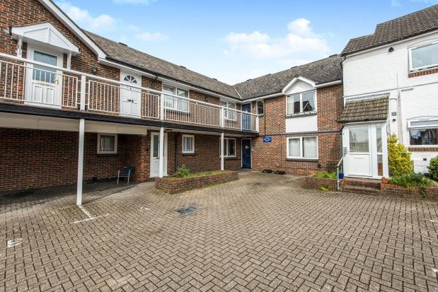 1 bed flat to rent in Stoke Park Court, Park Road, Guildford