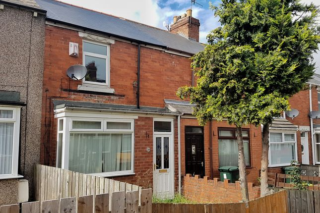 Thumbnail Terraced house to rent in Kelvin Gardens, Dunston, Gateshead