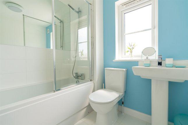 Bathroom of Scott Street, Edinburgh EH16