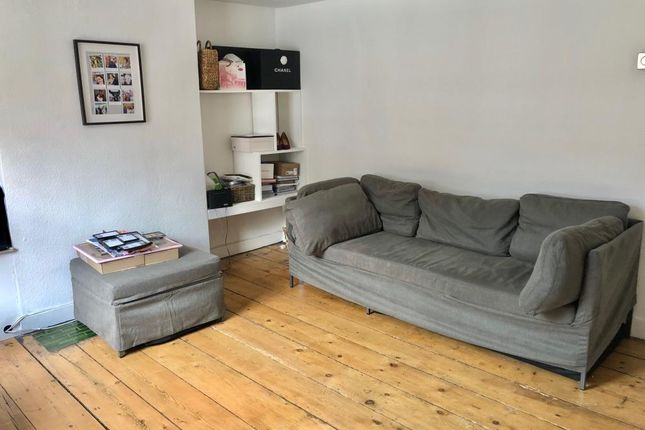 Thumbnail Flat to rent in Central Henley, Oxfordshire
