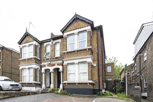 2 bed flat for sale in Station Road, Hendon, London NW4